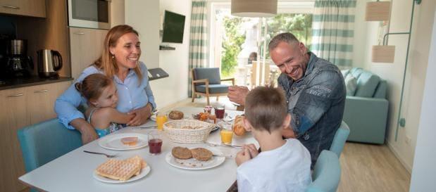 Familien-Frühstück im Ferienhaus in Zandvoort