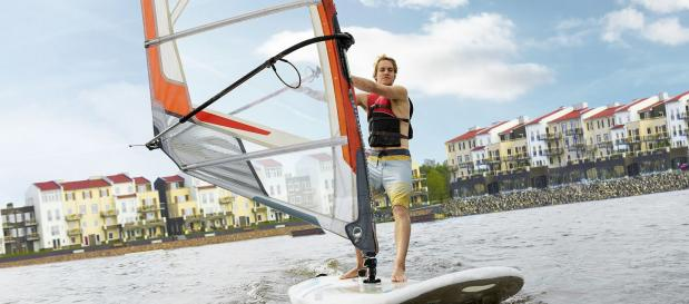 Activiteiten in Marina De Eemhof: Windsurfen