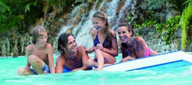dagje zwemmen familie